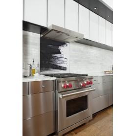 Fond de hotte blanc avec traces de pinceau noir