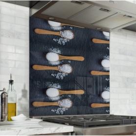 Fond de hotte effet ardoise avec cuillères de sel