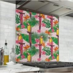 Fond de hotte rose avec motif perroquet et feuilles vertes tropicales