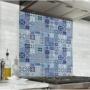 Fond de hotte effet carreaux de mosaïque bleu