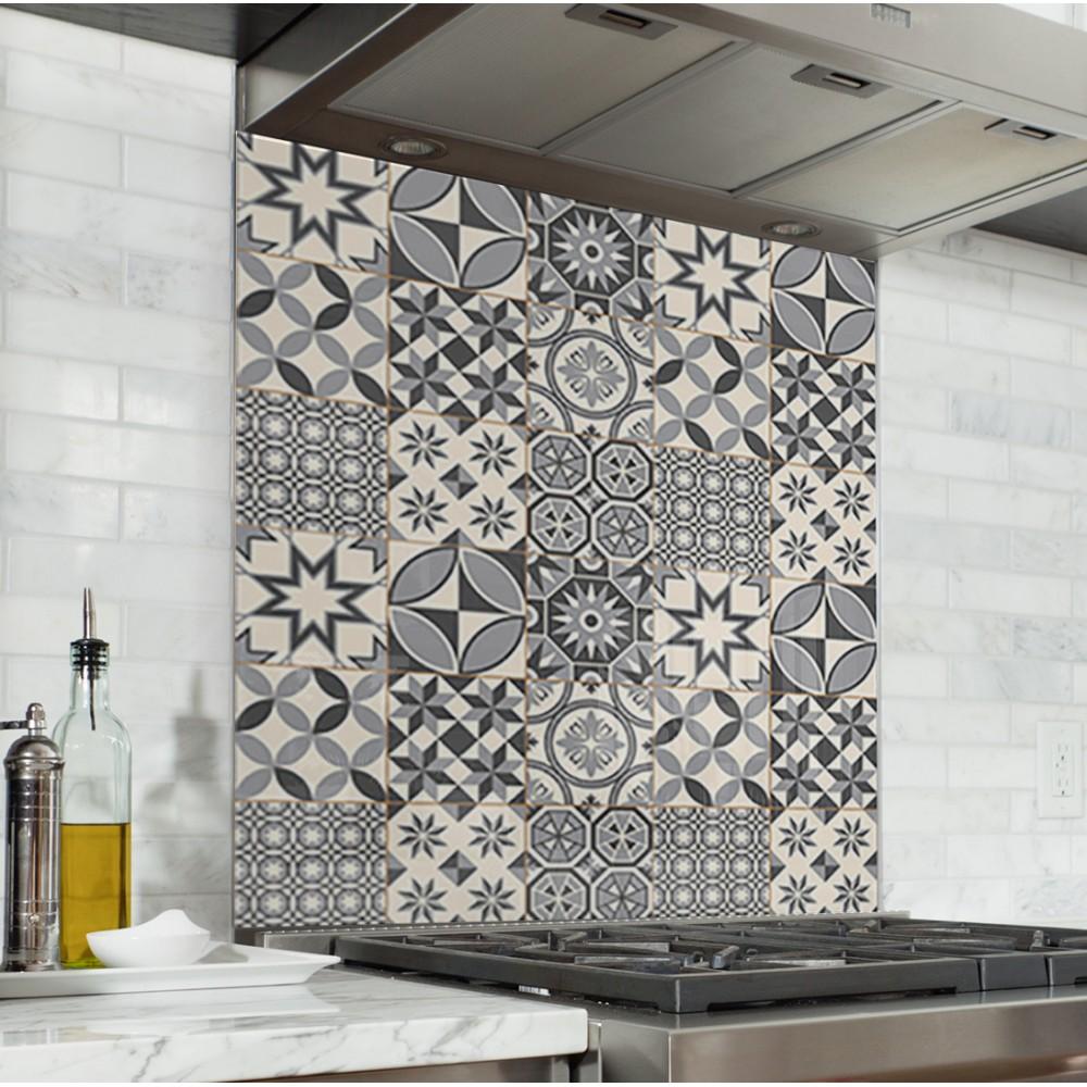 Fond de hotte carreaux de ciment gris credence cuisine deco for Credence fond de hotte cuisine
