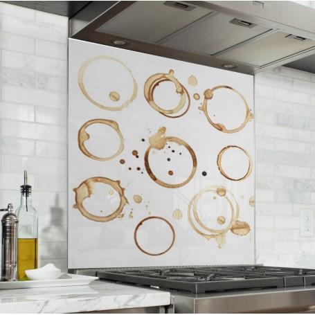 Fond de hotte blanc avec ronds de tasses à café