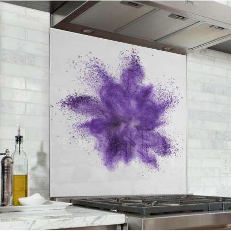 Fond de hotte blanc avec explosion de poudre violette