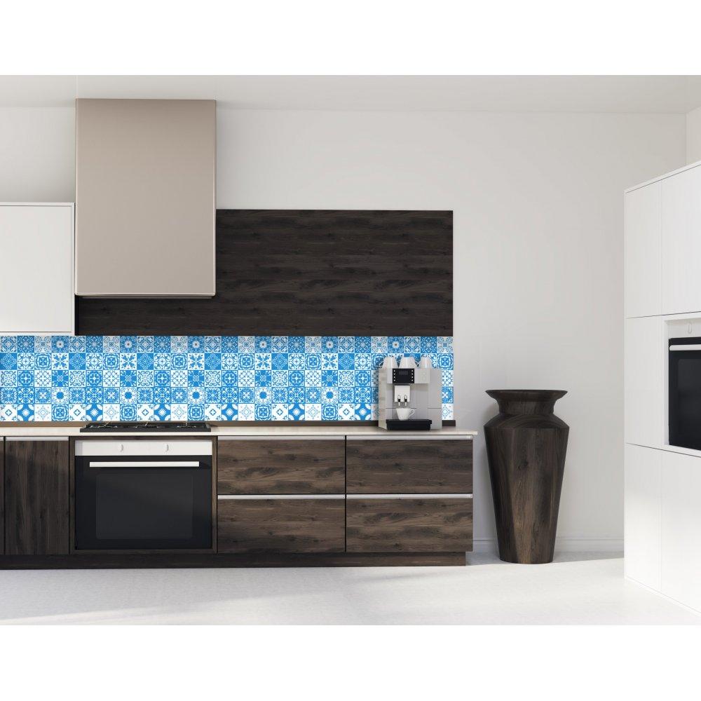 cr dence de cuisine carreaux de ciment mosa que bleu verre et alu. Black Bedroom Furniture Sets. Home Design Ideas
