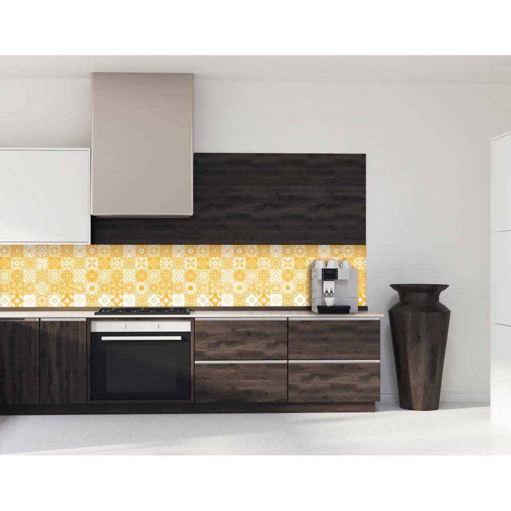 cr dence de cuisine carreaux mosa que jaune curry verre et aluminium. Black Bedroom Furniture Sets. Home Design Ideas