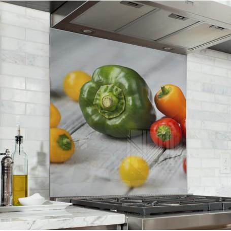 Fond de hotte avec poivron vert et piments