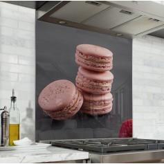 Fond de hotte noir avec macarons framboises