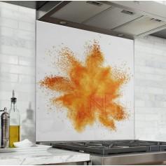 Fond de hotte blanc avec explosion de poudre orange