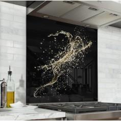 Fond de hotte noir avec explosion de champagne
