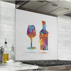 Fond de hotte blanc avec bouteille et verre multicolores