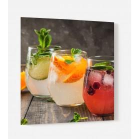 Fond de hotte avec trio de cocktails