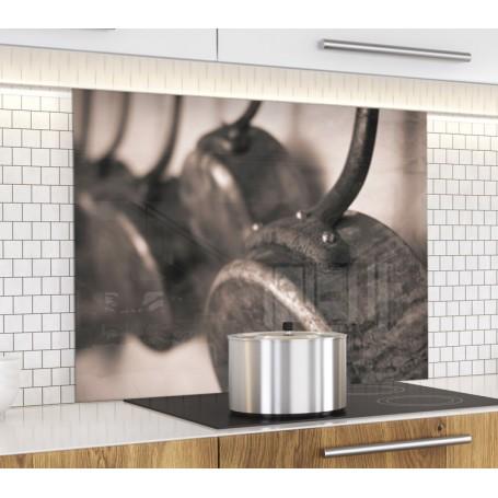 Fond de hotte sépia avec casseroles en cuivre rustique