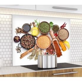 Fond de hotte blanc avec plateau d'épices multicolores