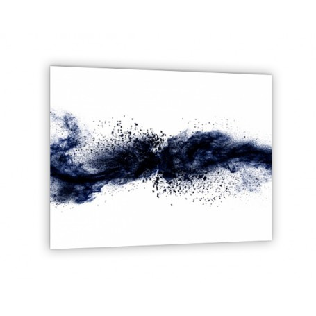 Crédence de cuisine blanche avec explosion de poudre bleue marine