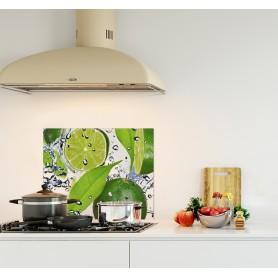 Crédence de cuisine citron vert dans l'eau