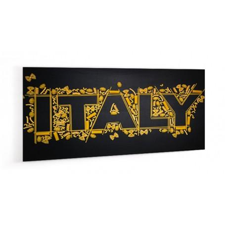 Crédence de cuisine noire avec inscription Italy réalisée avec des pâtes