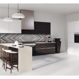 Crédence de cuisine noir et blanc avec losanges géométriques