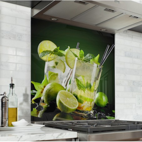 Fond de hotte fond noir avec cocktail mojito citron vert et menthe