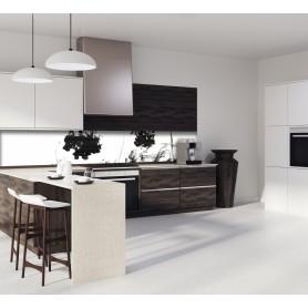 Crédence de cuisine blanc avec encre noire