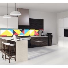 Crédence de cuisine formes géométriques jaune, turquoise et rouge
